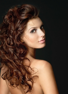 Perfect Bond is suitable for highlights and lowlights, volume and lengthening